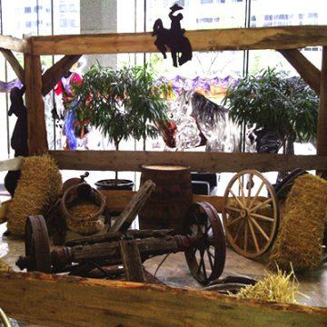 western wagonhitch scene